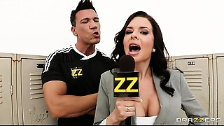 Big breasted sports journalist Veronica Avluv gang-banged in locker room