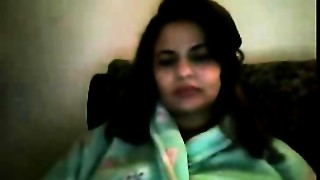 Excited Paki Aunty from Oslo on cam with lover