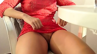 Pretty thighs in red dress squirting