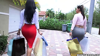 Spicy J and Diamond Kitty show their big asses