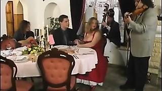 Michel Steuve et Colette Choisez group-sex restaurant public