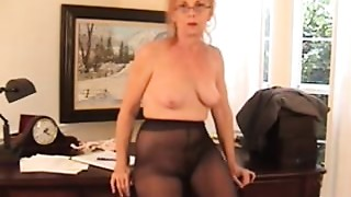 Curly Bossy Older slut in Pantyhose