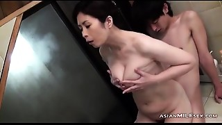 Bigtitted Cougar Sucking Young Dude Getting Her Bushy Muff Fingered In The Bathtube