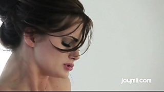 Lily Carter sexy squirting climax