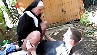 Nasty nun bonks on street