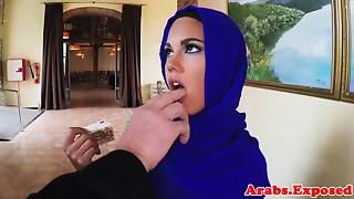 Muslim hotty fucks for cash