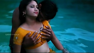 Hot Mamatha romance with dude friend in swimming pool-1