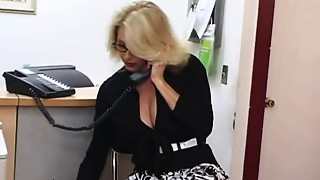 Mature secretary receives cum on her big billibongs