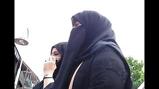 Wolter's Hijab Slut 002A