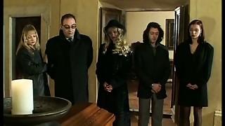 Il Funerale- full italian video