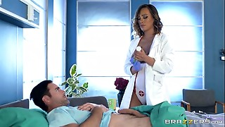 Brazzers - Impure nurse Kiera Rose acquires some big shlong