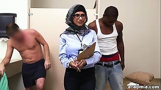 Mia Khalifa the Arab Pornstar Measures White Jock VS Darksome Jock (mk13768)