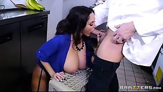 Brazzers - Ava Addams - Big Mangos at Work