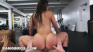Wazoo Parade orgy at the gym with Valerie Kay! (ap13727)