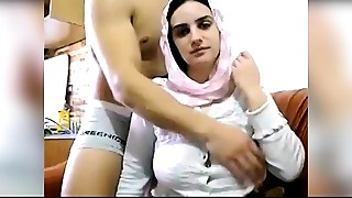 Arab Wife Big Meatballs Show On Web camera - PORNMELA.COM