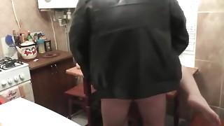 Plumber copulates wife when spouse away. Russian slut. Creampie closeup love tunnel