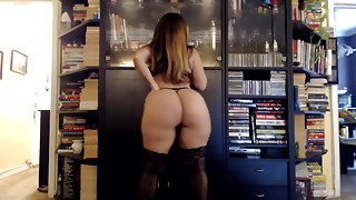 Perfect ass white girl Mom