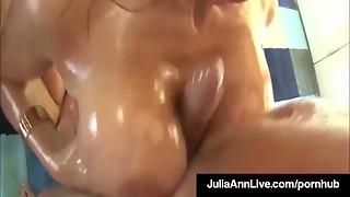 Sexy Cougars Julia Ann & Lisa Ann Oil Up & Group sex 2 Large Cocks!