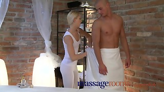 Massage Rooms Juvenile golden-haired masseuse has squirting big O over oiled hunk