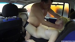 preggy prostitute screwed in car