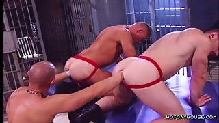 2 Prisoners Fisted in Arousing Homosexual Porno