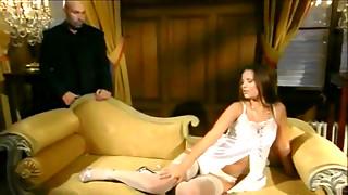Sexo booty screw con una morena maciza.