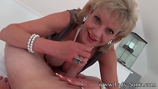 Mother I'd like to fuck Lady Sonia with 1st timer Massage table Cook jerking