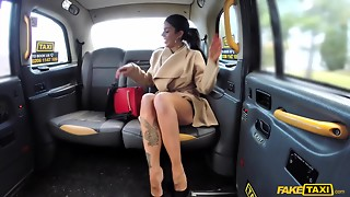 Fake taxi driver serves a bigtitted dark brown with tattoos