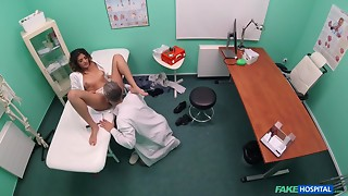 Excited Spanish Vixen Is Plan to Show Her Fascinating Pantoons To Doctor
