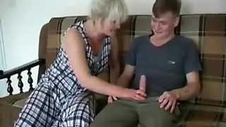 Horny lady stretches buttocks for a youthful knob