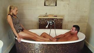 European babe pleases her boyfriend in the bath