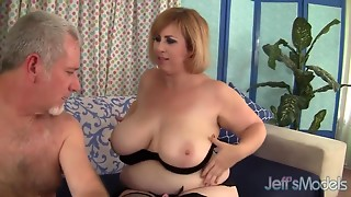 Pretty BBW Amazon Darjeeling hardcore sex