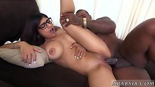 Arab curly angel on web camera Mia Khalifa Tries A Large