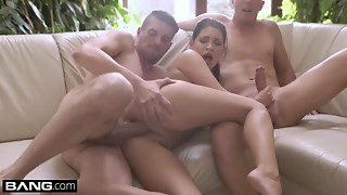 Glamkore - Annie Wolf has a fleshly DP session