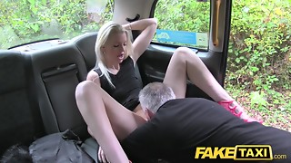Grey-Haired Taxi Cab Driver Licks Blonde's Muff On Backseat