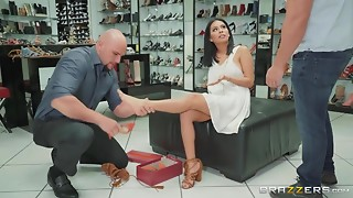 Excited Latin chick MILF Shows Her Twat And Seduces Shoe Shop Manager