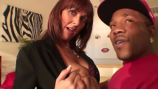 Bigtitted MILF's snatch receives stretched by biggest dark rod