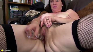Outstanding elder mommy makes her 1st porn episode