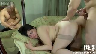 Obese and sexy dark brown cougar Elsa enjoys hardcore anal invasion
