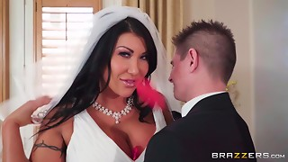 Tanned Corpulent Bride Receives Drilled In Mad Kamasutra Positions
