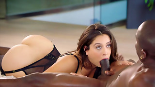 Cheating houswife Jynx Maze caught with dark dude on secret camera