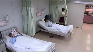 mamma takes care of son in the hospital - Famperv.com