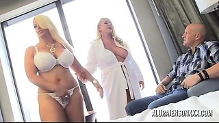 Pornstar Alura Jenson has a trio with Karen Fisher