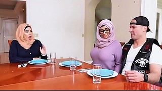 Banging ex muslim bigtitted mommy and daugther -..