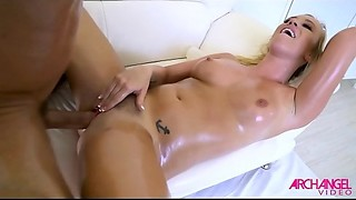 OILED UP Hot Golden-haired IS A Raunchy DYNAMO