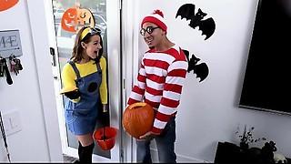 BANGBROS - Young slut Evelin Stone Receives Bruno Dickemz'_s Ramrod In A Pumpkin