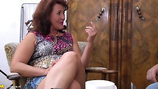 Mature lady getting fucked by her dude