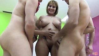 PUTA LOCURA Big meatballs amateur mommy I'd like to bang acquires group-fucked