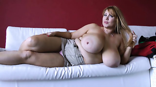 Samantha 38g (Thick Booty & Huge Tits-Solo) 1080p
