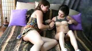 2 hot teen gals discovering lesbian sex together